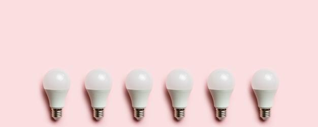 Quadro de lâmpada led. conceito de tecnologia alternativa. copie o espaço para texto. Foto Premium