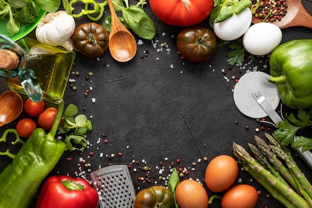 Quadro de legumes para pizza Foto gratuita
