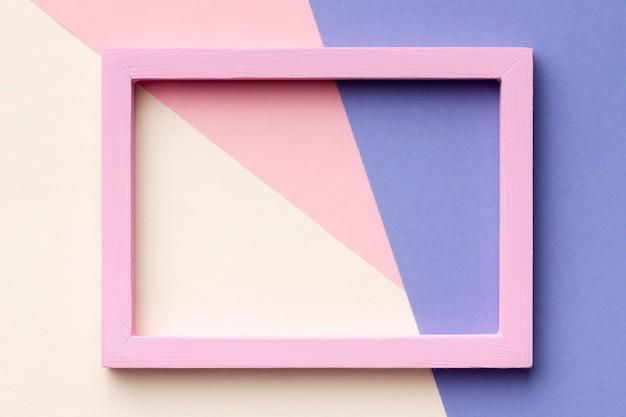 Quadro rosa em fundo colorido Foto Premium