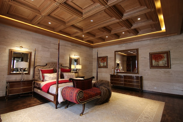 Quarto de luxo com design de interiores clássico Foto Premium