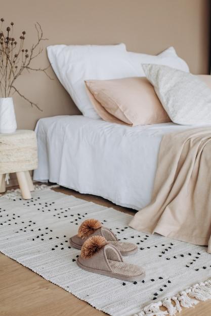 Quarto design de interiores têxtil estilo minimalista bege Foto Premium
