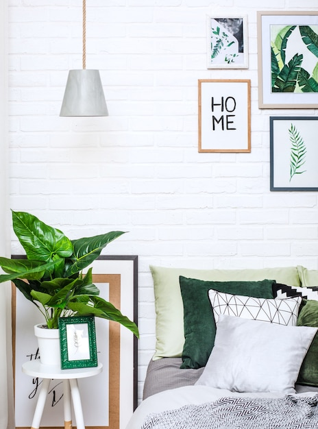 Quarto interior casa cama estilo flor padrão Foto Premium