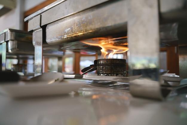 Queimador a lenha ou fogão Foto Premium