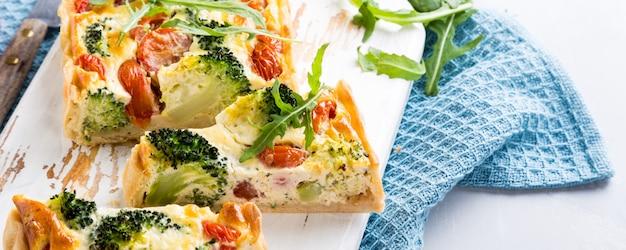 Quiche caseiro vegetariano Foto Premium