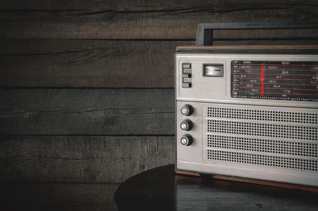 Rádio transistor antigo Foto Premium