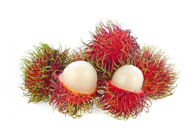 Rambutan isolado no branco. Foto Premium