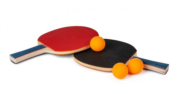 Raquetes de ping pong isoladas no branco Foto Premium