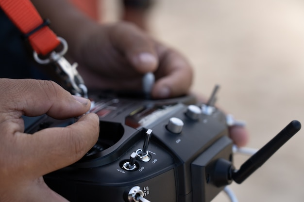 Rc remote na mão Foto Premium