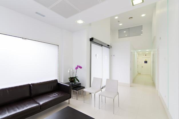 Recepção moderna interior da clínica odontológica Foto Premium