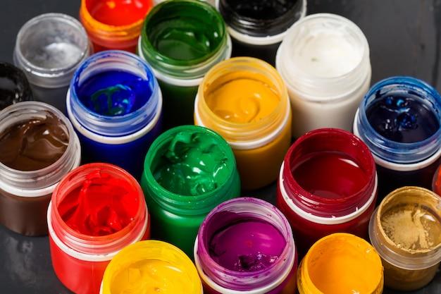 Recipientes de cores acrílicas Foto Premium