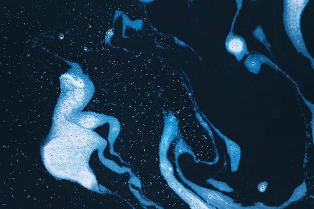 Redemoinhos de espuma azul Foto gratuita