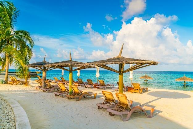 Resort solitude trópico oceano maldivas Foto gratuita