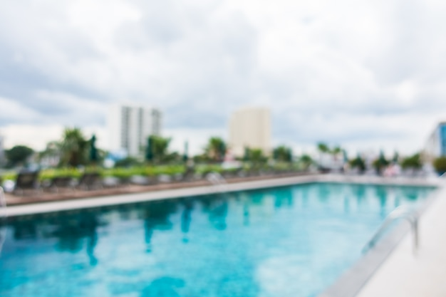 Resumo borrão piscina exterior Foto gratuita