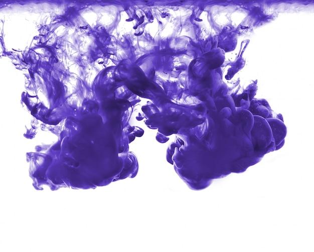 Resumo formado por cor dissolvendo em água Foto gratuita