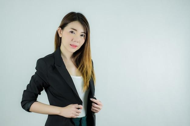 Retrato da bela empresária asiática Foto Premium