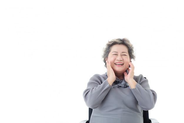 Retrato, de, asiático, mulher sênior, sendo, feliz, isolado Foto Premium