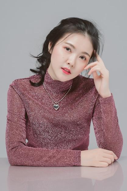 Retrato de beleza mulher ásia e tem pele branca Foto Premium