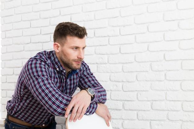 Retrato, de, brutal, homem barbudo Foto Premium