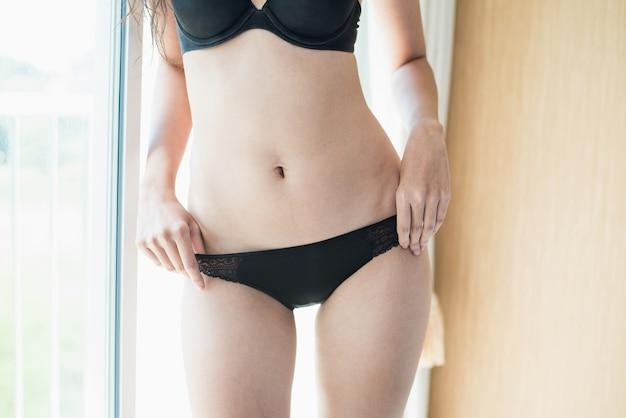 Retrato, de, excitado, mulher jovem, modelo, desgastar, biquíni Foto Premium