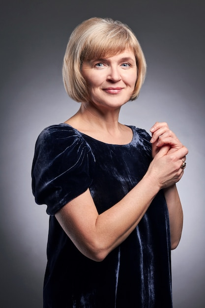 Retrato, de, um, adulto, sucedido, mulheres, vó Foto Premium