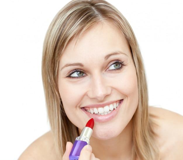 Retrato, de, um, carismático, mulher, pôr, batom vermelho Foto Premium