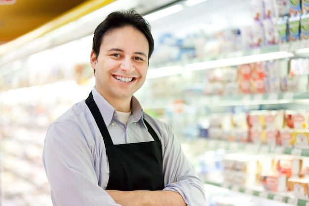 Retrato, de, um, lojista, em, seu, loja Foto Premium