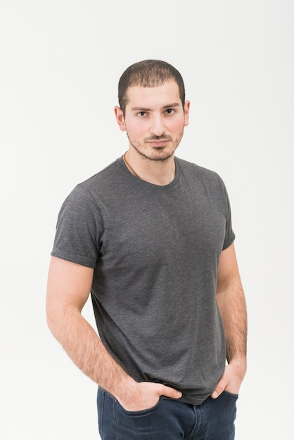 Retrato, de, um, posição homem, em, isolado, branco, fundo Foto gratuita