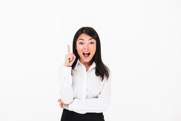 Retrato de uma mulher de negócios asiático feliz Foto gratuita