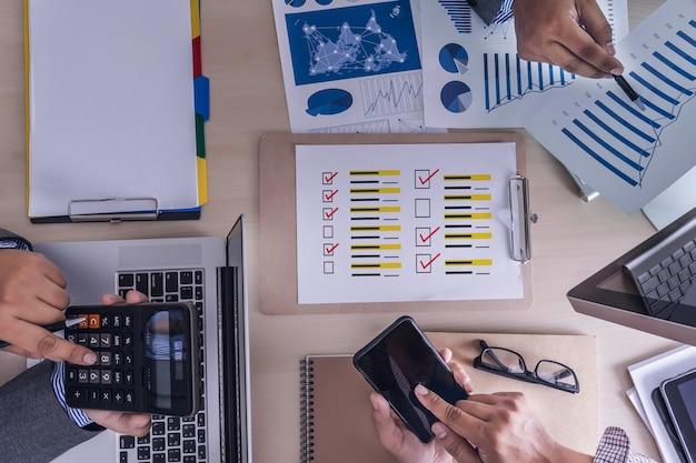 Revisões on-line tempo de avaliação para revisão auditoria de avaliação de inspeção Foto Premium