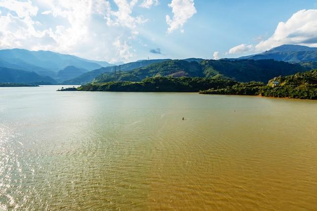 Rio negro ou rio song da Foto Premium