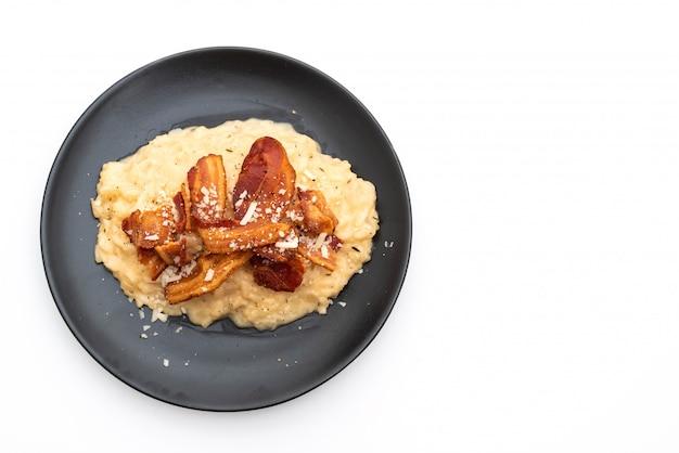 Risoto com bacon crocante Foto Premium