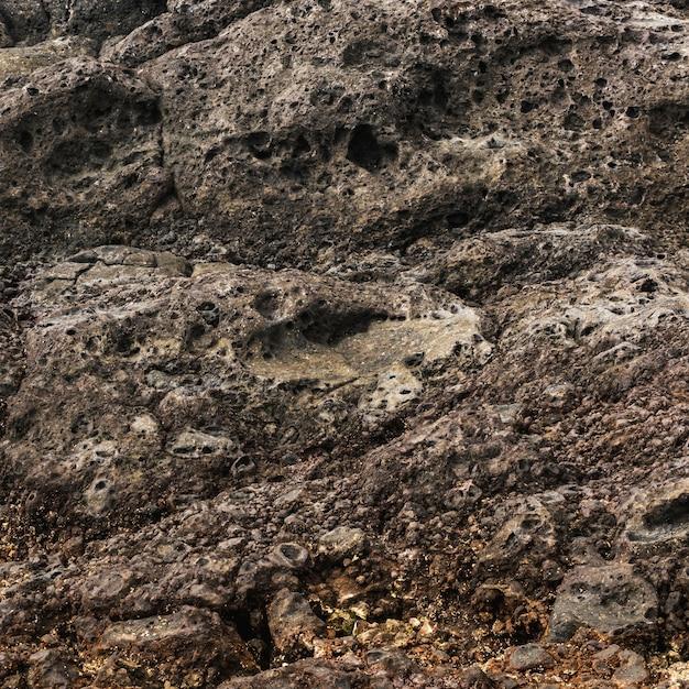 Rochas de close-up erodidas pelo mar Foto gratuita