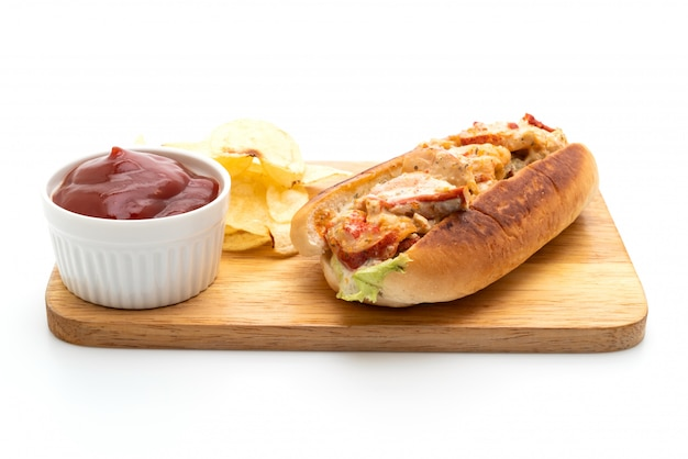 Rolo de lagosta caseiro com batatas fritas Foto Premium