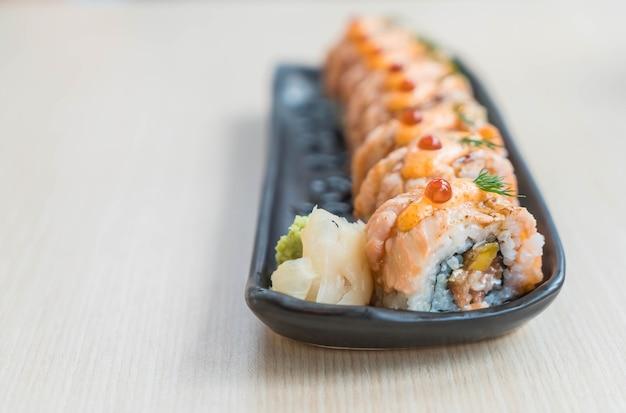Rolo de salmão Foto gratuita