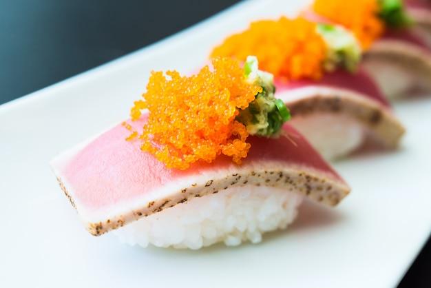 Rolo de sushi Foto gratuita