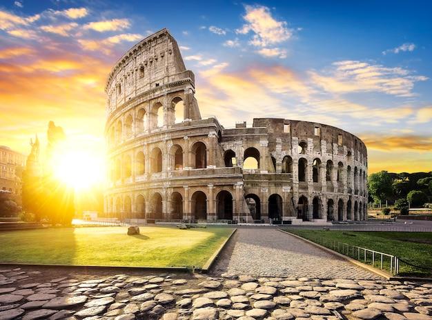 Roma e coliseu, itália Foto Premium