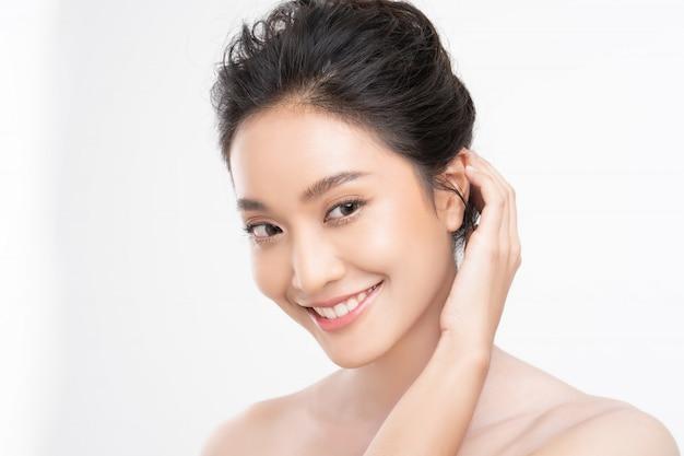 Rosto asiático de mulher bonita Foto Premium