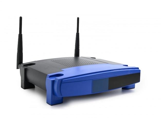 Roteador de internet sem fio moderno isolado no fundo branco Foto Premium