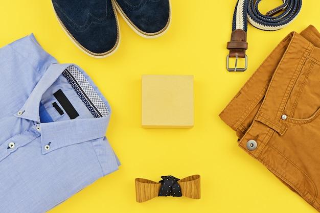 Roupas casuais para homens roupas em amarelo Foto Premium
