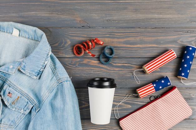 Roupas e decoração para o dia da independência Foto gratuita