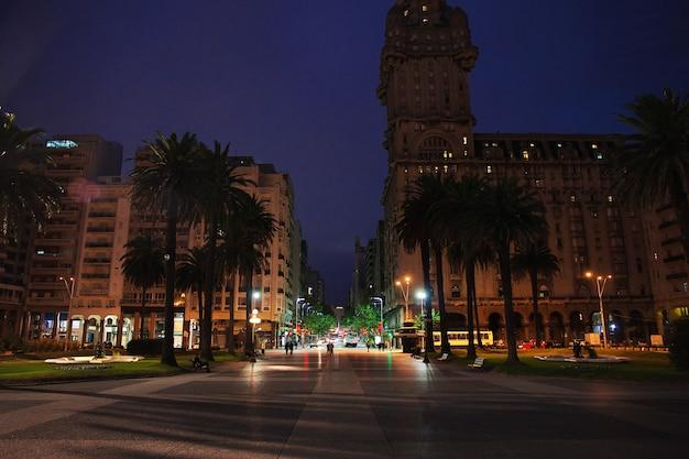 Rua, montevidéu, uruguai Foto Premium
