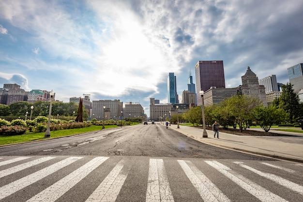 Rua vista de chicago em um dia ensolarado Foto Premium