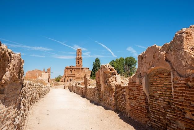 Ruínas de belchite, espanha, cidade em aragão que foi completamente destruída durante a guerra civil espanhola. Foto Premium