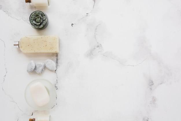 Sabonete em barra gel de banho e decoração com espaço para texto Foto gratuita