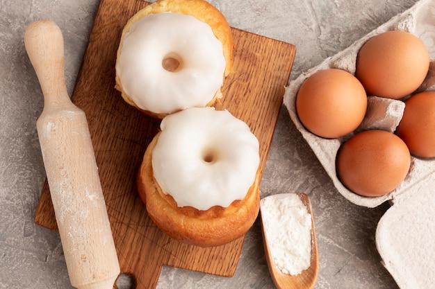 Saborosa pastelaria com glacê fechar Foto gratuita