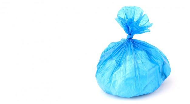 Saco de plástico isolado em um fundo branco Foto Premium