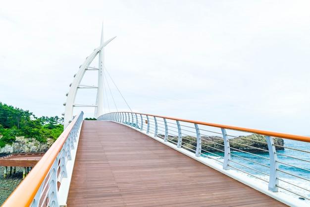 Saeyeongyo ponte entre seaseom e seogwipo port na ilha de jeju Foto Premium