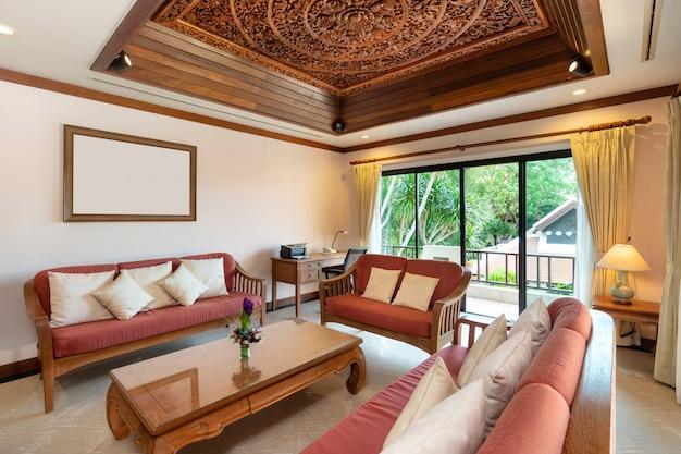 Sala de estar da piscina tailandesa balinesa villa Foto Premium