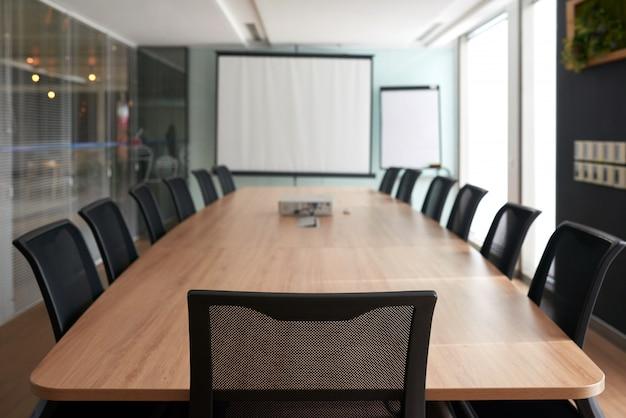 Sala para reunião de negócios Foto gratuita