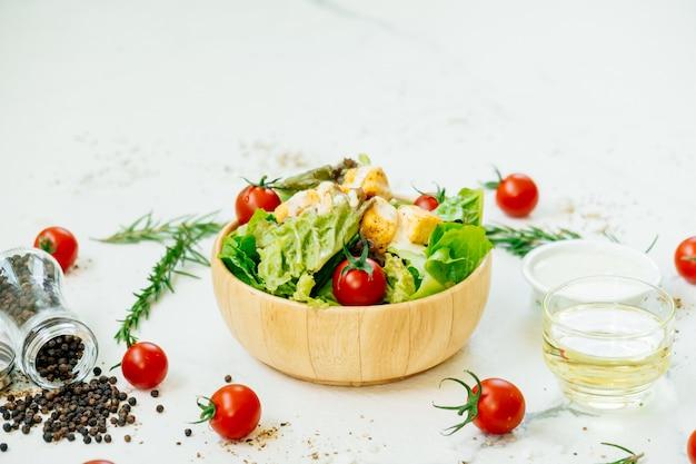Salada césar Foto gratuita
